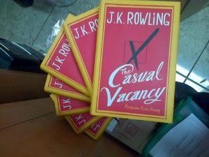 "Menerjemahkan Novel Drama Satir (Cerita di balik ""The Casual Vacancy"")"